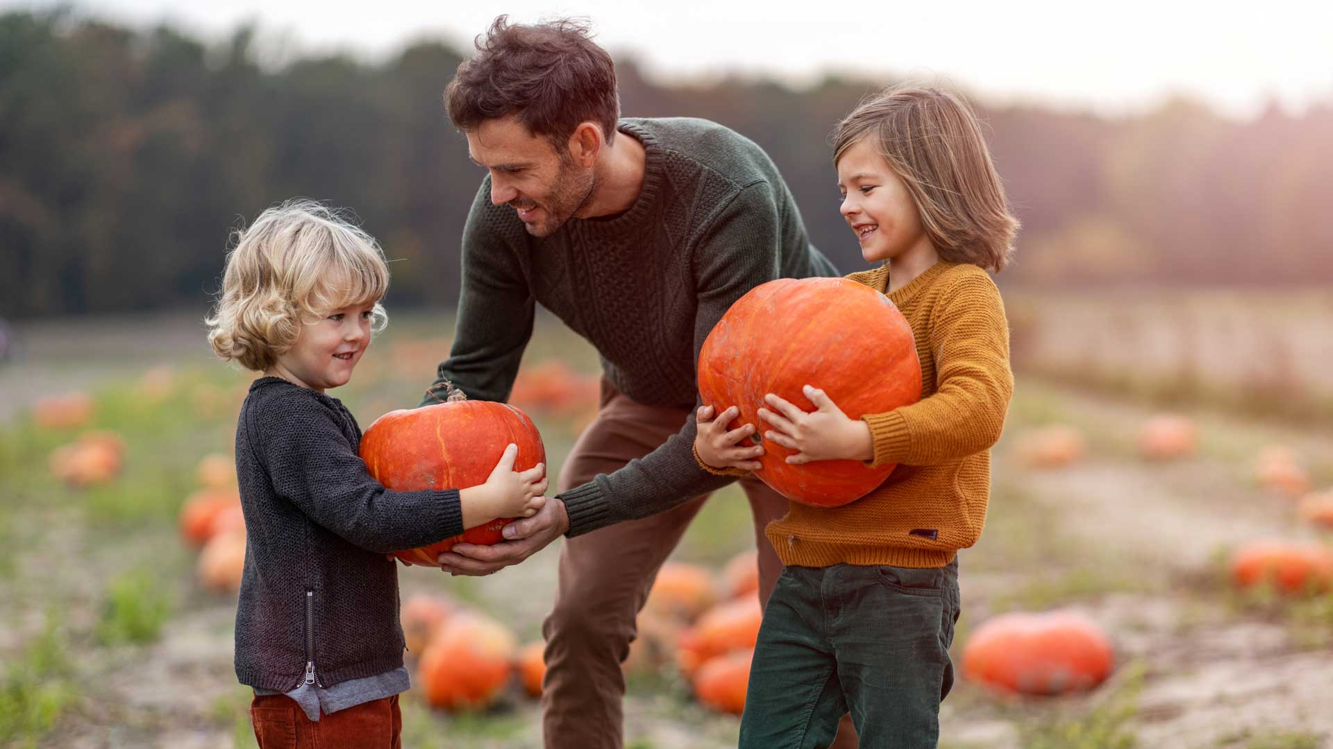 Apple-and-Pumpkin-Picking---MFM-Bankers